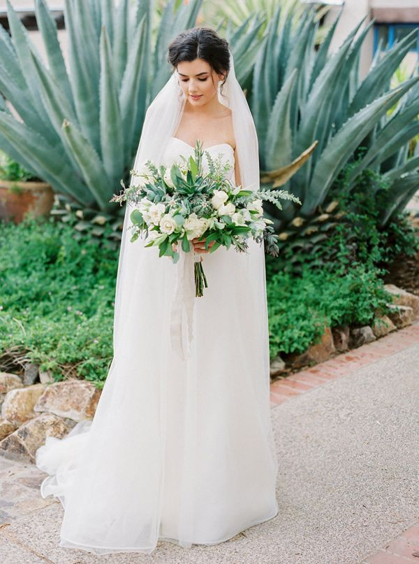 greenery bouquet - photo by Elyse Hall Photography http://ruffledblog.com/tucson-hacienda-wedding-inspiration