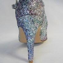 Chaussure de danse et de mariage haut de gamme, fabrication italienne, 100% personnalisable. Souple et confortable. Ici en glitter.