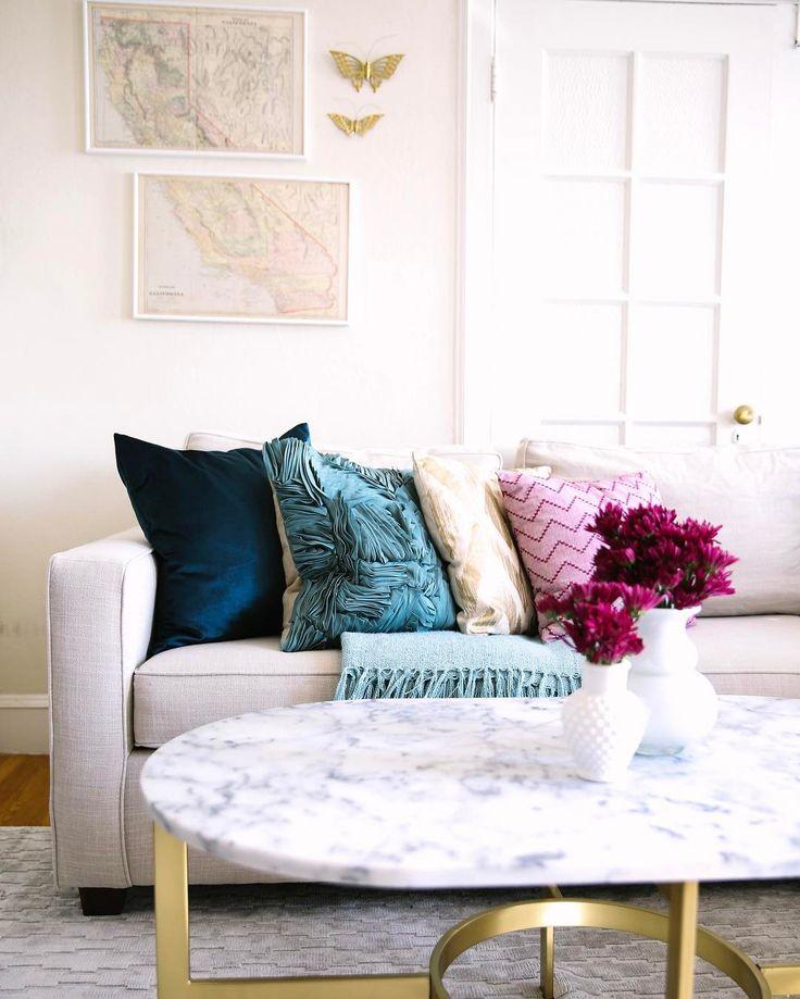 https://i.pinimg.com/736x/8f/27/c9/8f27c9fe5ab0842b88d2bc735a1b3266--modern-vintage-homes-neutral-living-rooms.jpg