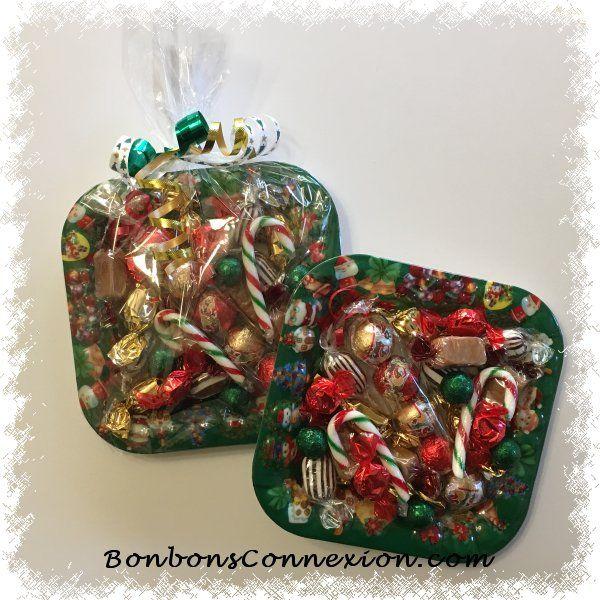 Plateaux gourmets de bonbons et chocolats de Noël. Holiday gourmet plate of candies and chocolates. #ChristmasCandyGiftIdea #IdeesCadeauxBonbonsNoel