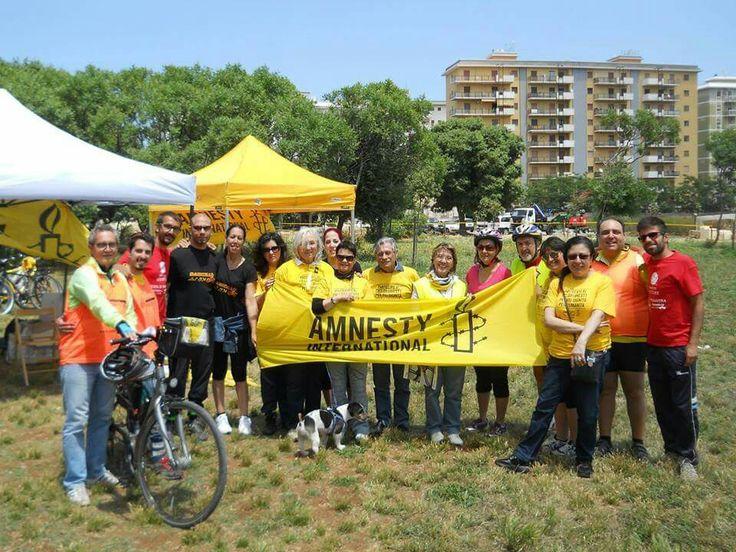 #cicloamnesty pedalata in giallo