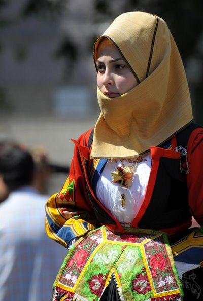 costume orgosolo - cavalcata sarda 2010