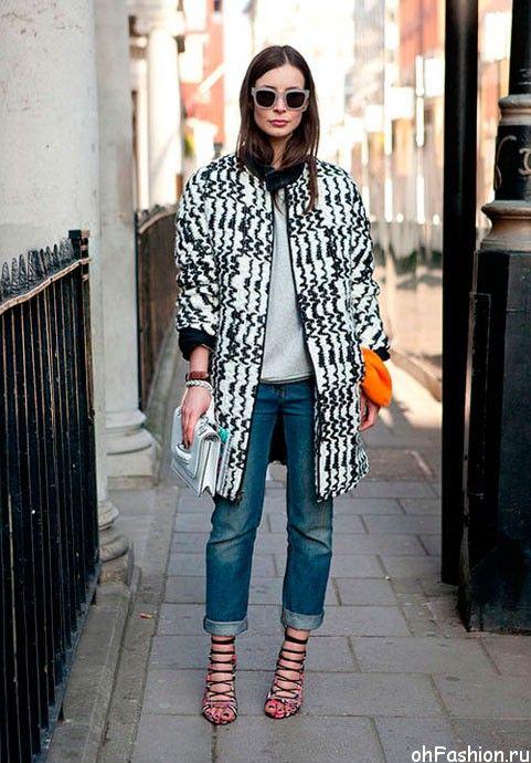 Бойфренды можно носить с клатчем и стильным пальто