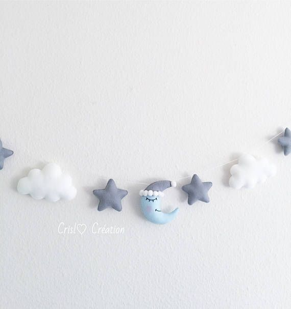 The Garland is about one meter. It is composed of 4 clouds, 4 stars and a central moon. The material used is felt and wadding. Items are sewn by hand. If in doubt if you want a specific color, just ask to me contacted. Thank you for visiting