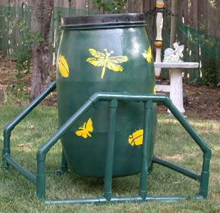 I love the look of this DIY rotating composter made from a 35-gallon food-grade barrel. Click through for instructions.