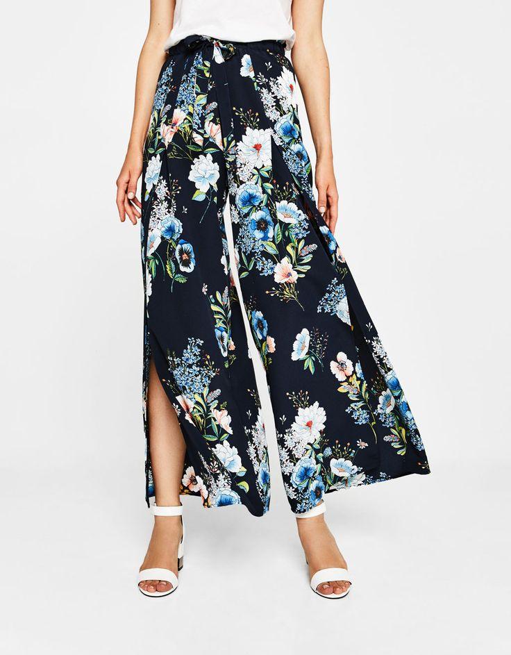 Wide floral print trousers - Trousers - Bershka Malaysia