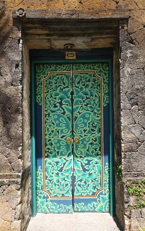 ~Lovely hand painted door ~ Bali