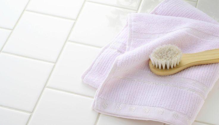 Ένα Απίστευτο Tip για να Διατηρείτε τα Πλακάκια του Μπάνιου σας Πεντακάθαρα!