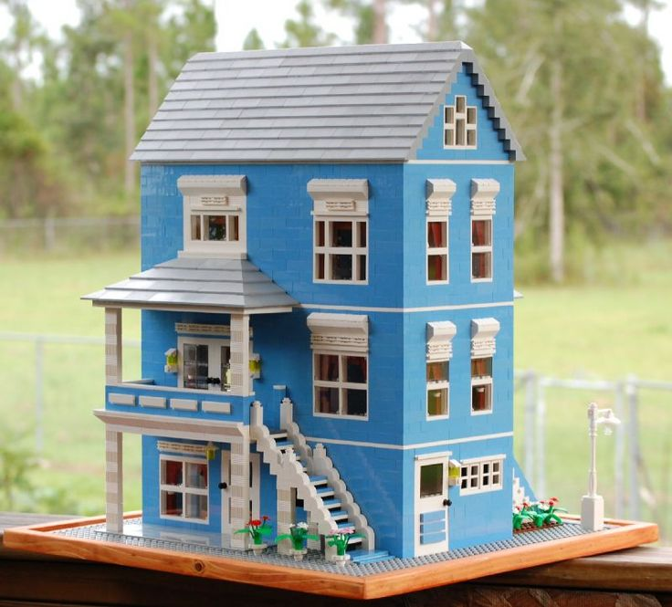 This is what I'd really like to get into: building life-like everyday objects and buildings with realistic architectural features in a minifigure scale