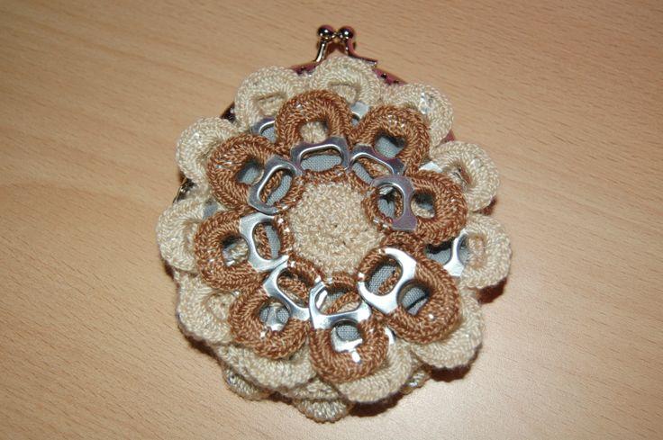 Monedero de ganchillo y anillas Tutorial aquí: http://www.youtube ...