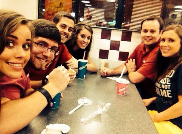 The Duggars siblings out on a triple date before Jessa's wedding  9/8/2014