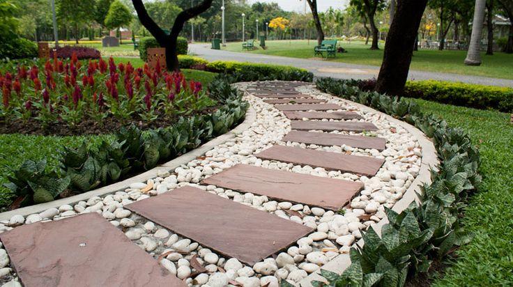 Caminhos e trilhas deixam o passeio no seu jardim mais agradável. Veja as opções e escolha!