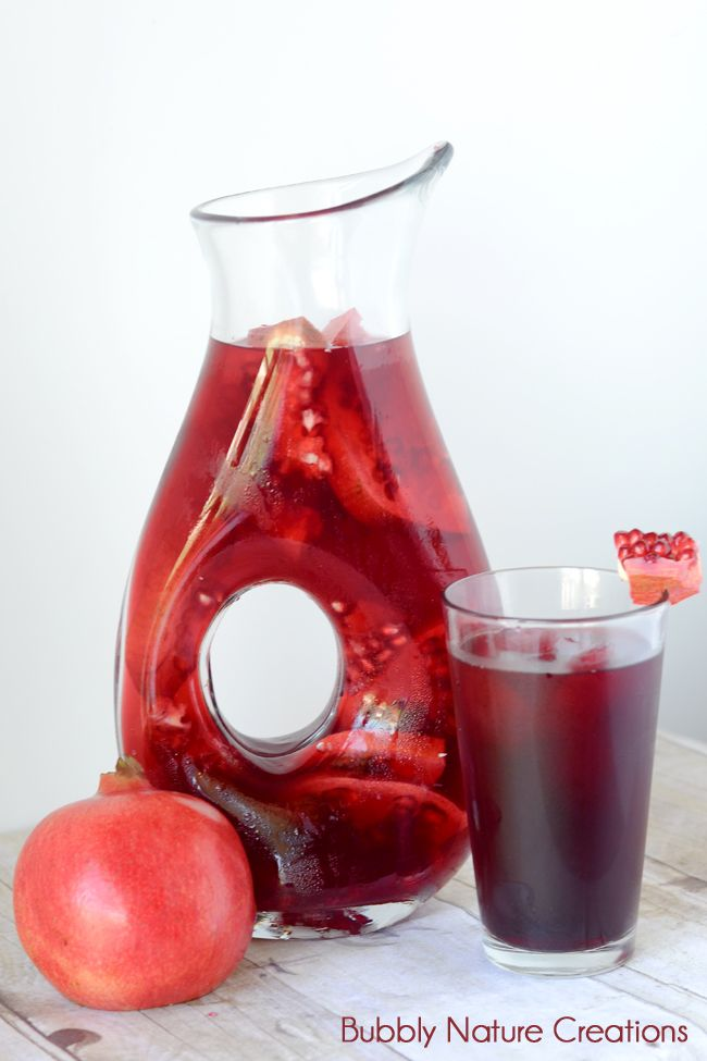 pomegranate tea (Butterfly Nectar)     5 bags of Bigelow Pomegranate Green Tea     24 oz. water     1 cup Pomegranate Juice     1/4 cup sugar     optional:     Sliced Pomegranate for pitcher     frozen pomegranate juice in an ice tray