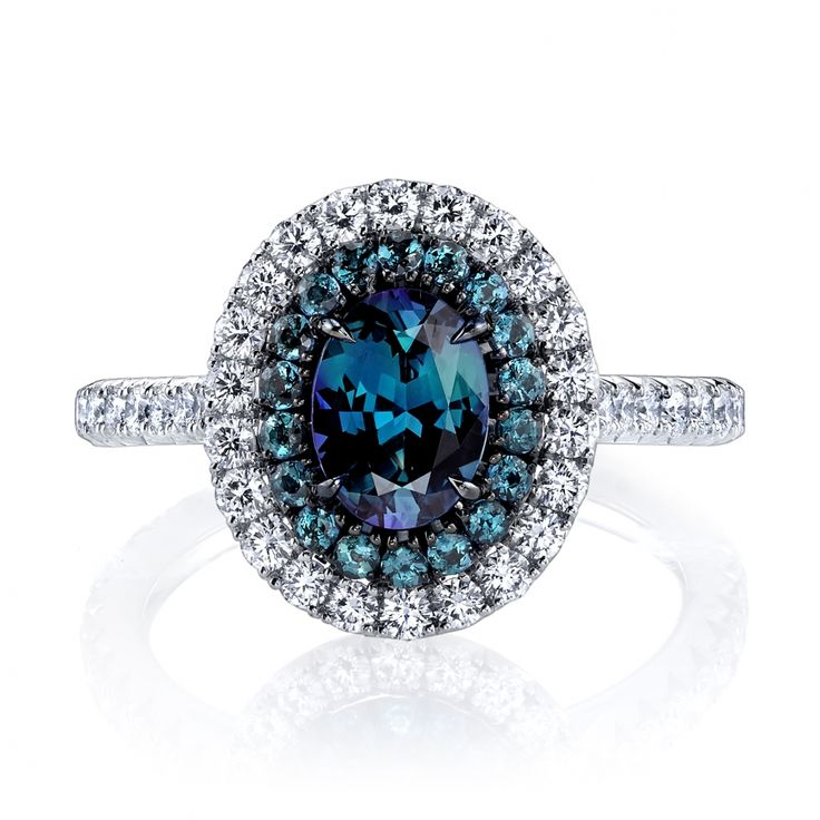 Rosamaria G Frangini | High Deep Blue Jewellery | Omi Prive - Alexandrite and diamond ring