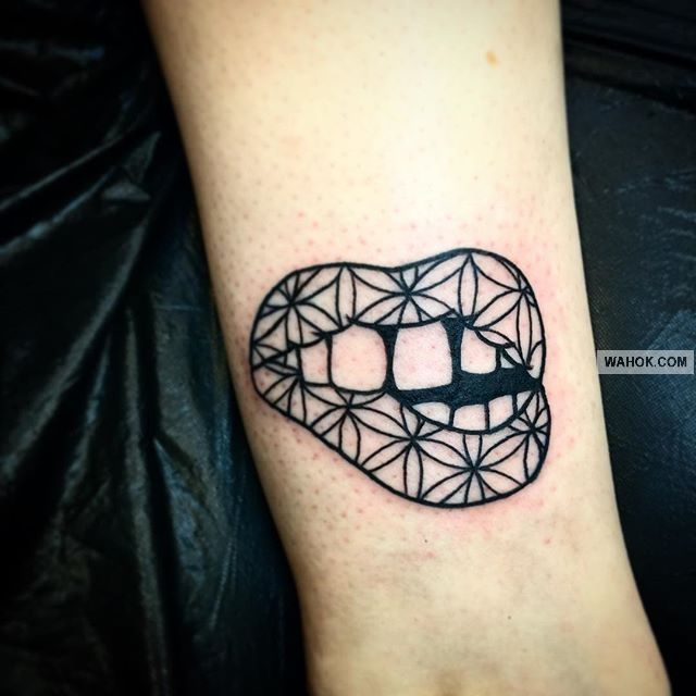 77.gambar tato di leher belakang   body art tattoo studio vt