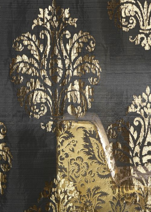 Exclusieve gordijnen Glamoureuze, kostbare, extravagante stoffen. Stoffen die tot kunst verheven mogen. worden en die kamers voorzien  van paleiselijke grandeur met al zijn schoonheid, stijl, warmte en gevoel. De collectie combineert luxe van hoge kwaliteit en de kleuren zelf zijn juweeltjes. Perfect voor degene die zich graag omgeeft met textiel, elegante verwennerij of gaat voor gevarieerde. Kleur op Kleur Interieur