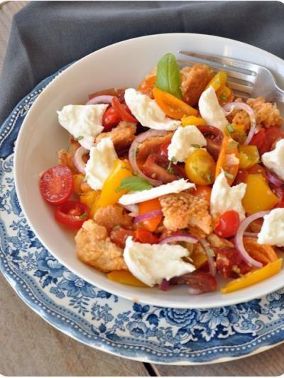 750 grammes vous propose cette recette de cuisine : Panzanella traditionnelle. Recette notée 4.6/5 par 7 votants et 1 commentaires.