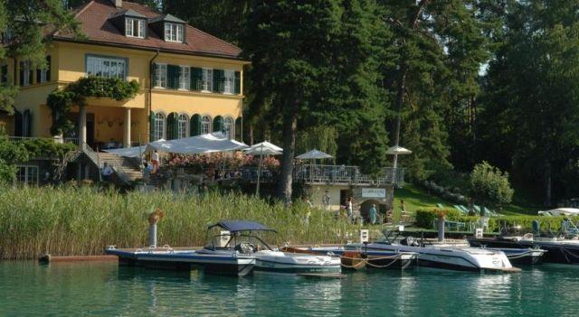 Hotel Villa Rainer - 4 Star #Hotel - $218 - #Hotels #Austria #PörtschachamWörthersee http://www.justigo.co.in/hotels/austria/portschach-am-worthersee/superior-villa-rainer_45991.html