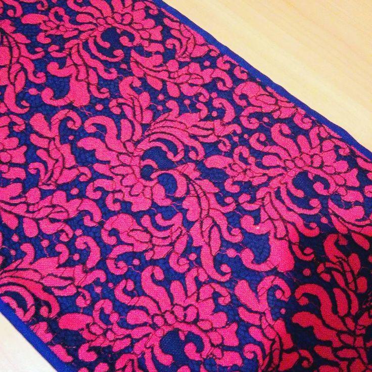 Фрагмент юбки из кружева на подкладке из батиста