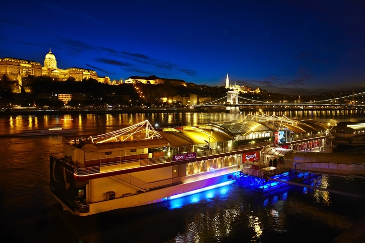 Spoon Budapest by night