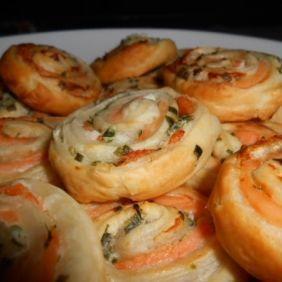 Feuilletés roulés au saumon #saumon #aperitif #feuillete