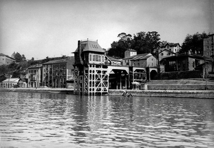 Bilbao, ore loading in Olaveaga, 1932.