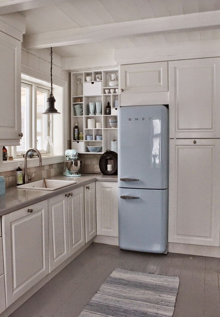 17 best images about cuisine et frigo smeg on pinterest pastel industrial and small kitchens. Black Bedroom Furniture Sets. Home Design Ideas