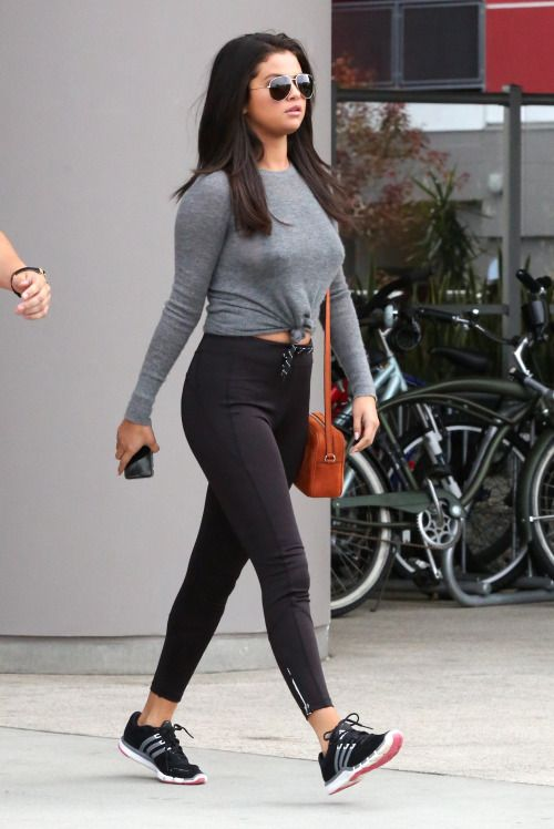 Selena Gomez leaves a gym in West Hollywood, California. June 18, 2015.