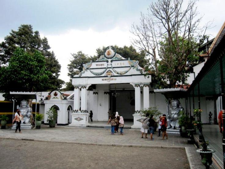 Yogyakarta, Suasana Keraton Yogyakarta: Keraton Ngayogyakarta Hadiningrat