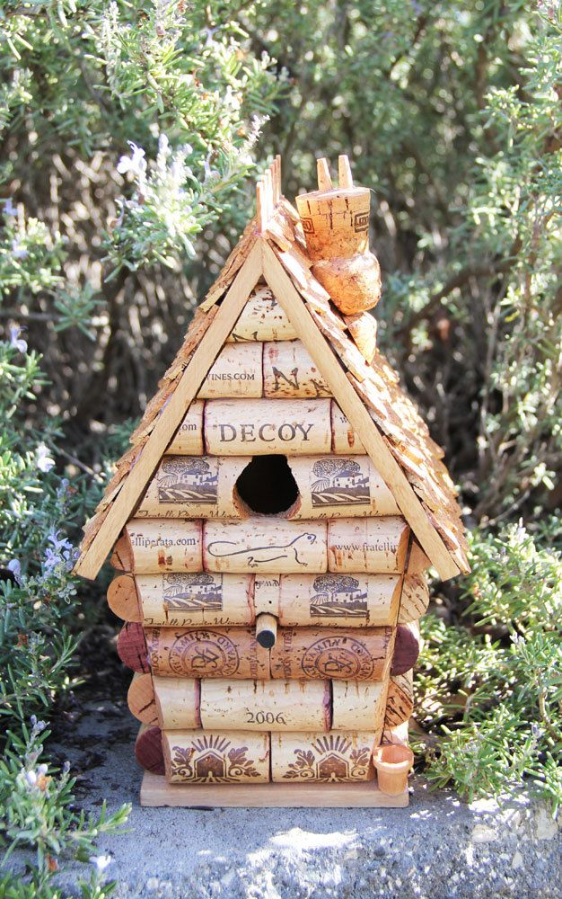 Diy wooden bird houses woodworking projects plans for How to build a birdhouse out of wine corks