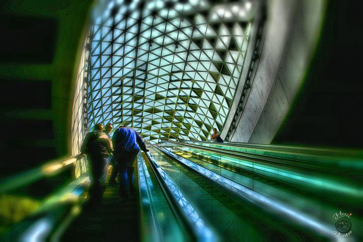 Bikás park metró