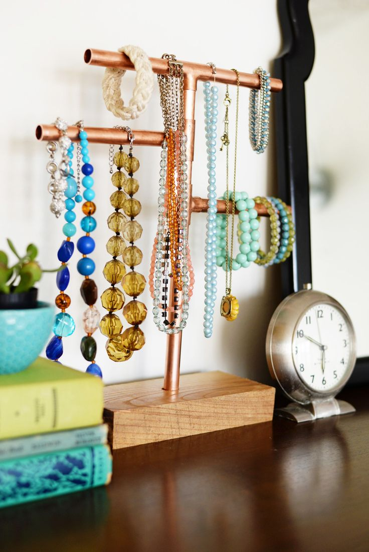 No matter what size bedroom you have, you can always benefit from great jewelry or clothing storage and organization ideas. Here is a fun and budget friend