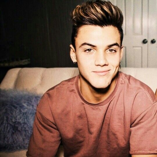 """::Grayson Dolan::""""hey I'm Grayson""""I smile""""I'm 18 and single, but I'm looking for the right girl. I'm a Youtuber, football player, and a soccer player. I like playing sports, watching Netflix and hanging out. That's it about me, come say hi?"""""""