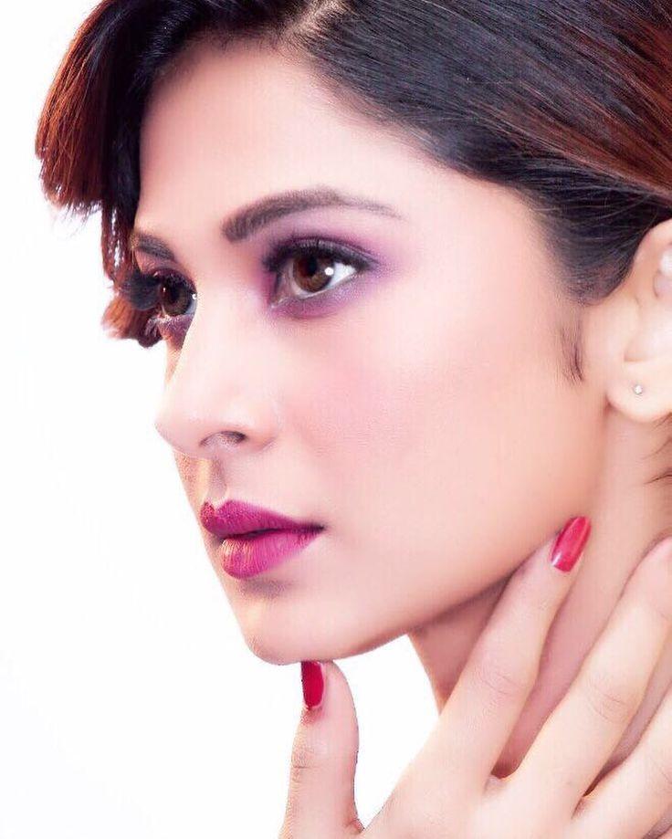 Vanity Insanity!  Makeup: @mukeshpatilmakeup  Hair : @jadhavsharda