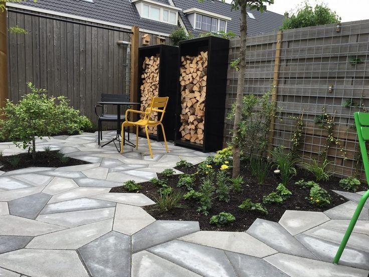 Opslag voor houtblokken. Moderne en duurzame producten vind je bij ons in de showroom in Lijnden bij Amsterdam