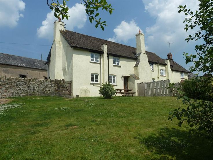 Private holiday accommodation in Dulverton, Nr. Minehead, Somerset, England E2212