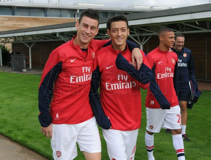 Koscielny and Ozil #trainingcamp