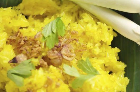 Curry Kapitan with Yellow Tumeric Glutinous Rice ...
