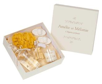 Coffret cadeau Rêve d'Anges composé de 5 produits parfumés de Vanille et Patchouly : une brume d'oreiller 100ml, une bougie parfumée140 g, une huile de bain 300 ml, un savon anges 100 g et une éponge naturelle pour le plaisir d'offrir. http://www.boutique-lothantique.com/coffret-reve-d-anges~reve-d-anges-amelie-et-melanie-produit-4on0o25h3g08.html
