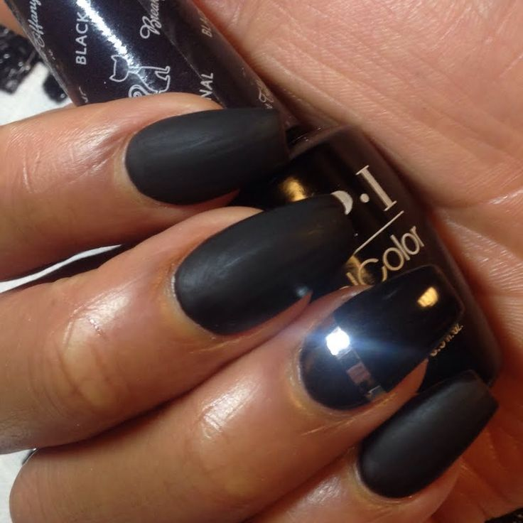 Maeve nails this bold and brazen mani using her gifted #OPI Breakfast at Tiffany's GelColor in Black Dress Not Optional. She received this awesome shade for being a valued Preen.Me VIP. See the rest of this salon-exclusive collection by clicking through.