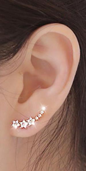 Cute Dainty Ear Piercing Ideas - Crystal Flower Star Ear Climber Crawler Earrings -  lindo flor delicada estrellas oreja escalador pendiente de correa eslabonada - www.MyBodiArt.com