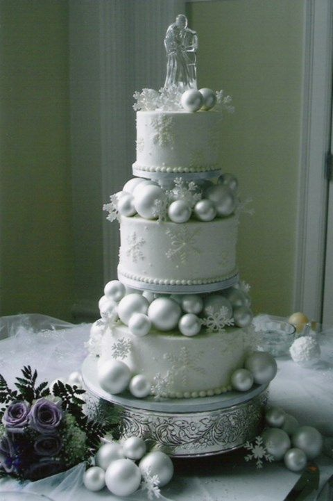 103 Fabulous Winter Wedding Cakes | HappyWedd.com