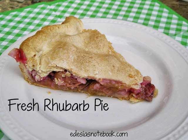 Fresh Rhubarb Pie | baked goods: pies and tarts | Pinterest