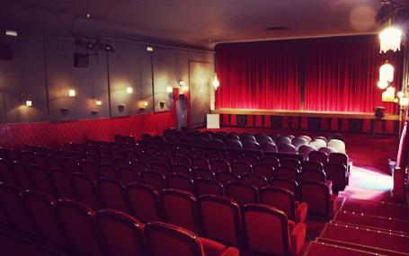Reprisen i Holte, en skøn gammel biograf