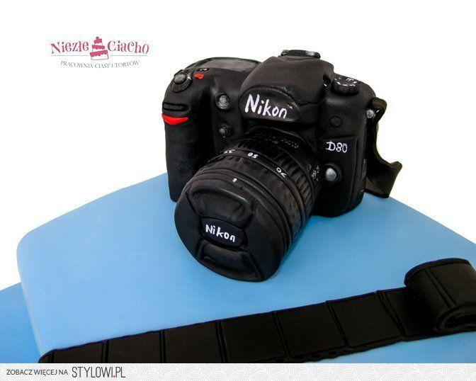 Nikon, aparat fotograficzny, tort w kształcie aparatu fotograficznego, tort dla fotografa, tort dla pasjonata fotografii, fotograf, Nikon na torcie, Tarnów