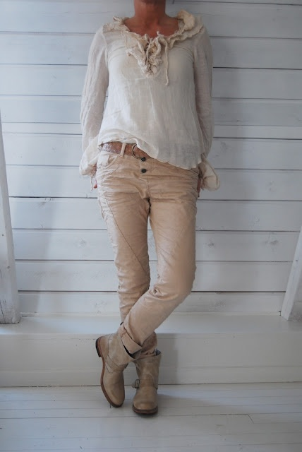 Please-jeans, Top from Branting. Boots from Munderingskompagniet