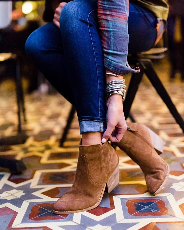 Brown ankle booties, cuffed skinny jeans denim, plaid shirt, fall style