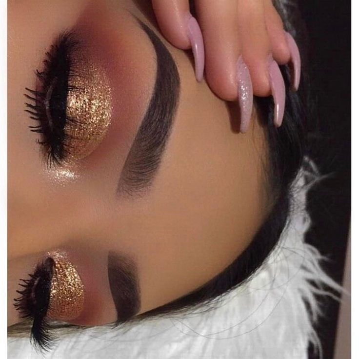 "1,429 Likes, 5 Comments - Certifeye ✨ (@certifeye) on Instagram: ""@lupe_mua In rose gold certifeye glitter ❤✨"""