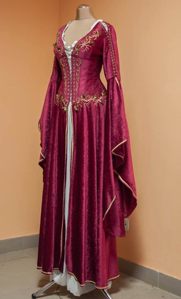 Medieval clothing online store