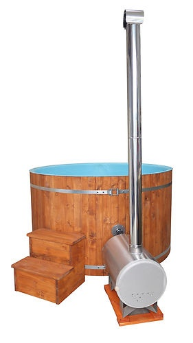 A Wooden Log fired hot tub with a clean 10mm thick plastic lined tank, Authentic wooden tub with cleanliness in mind www.deependpools.co.uk